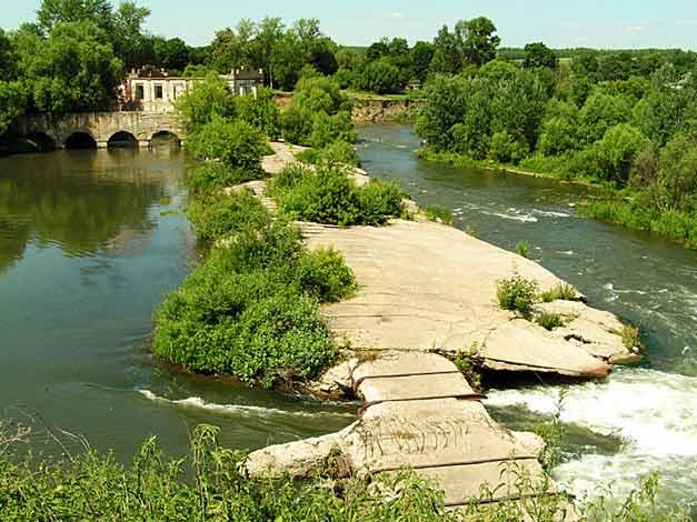 Троекуровская плотина. Река Красивая Меча